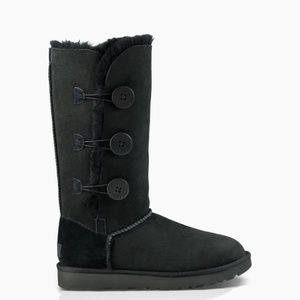 UGG Black Bailey Button Triplet II Boots Size 9